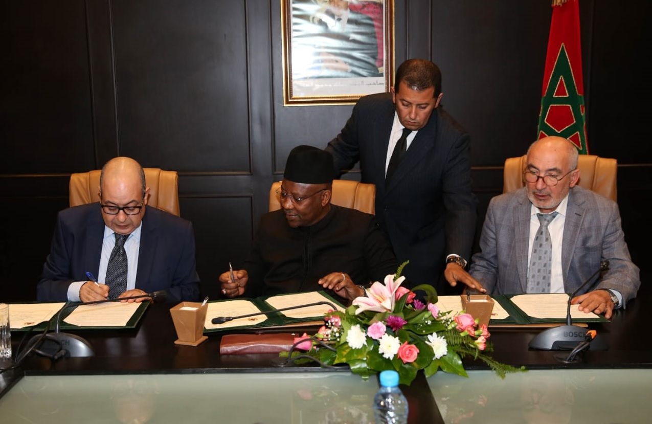 Signing the MOU concerning the PUIC Conference