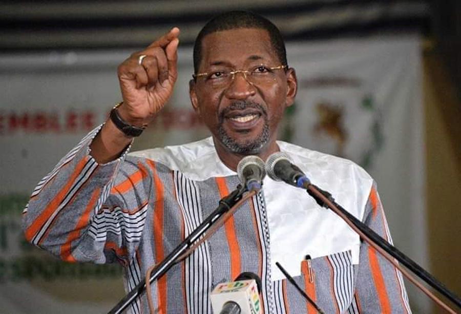 Le Président Sakandé Appelle à Coopérer pour Faire Face au Coronavirus