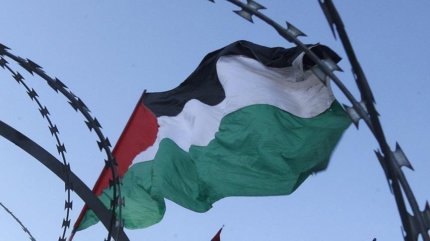 الفلسطينيون ينفذون التخلى عن الاتفاقيات مع الاحتلال