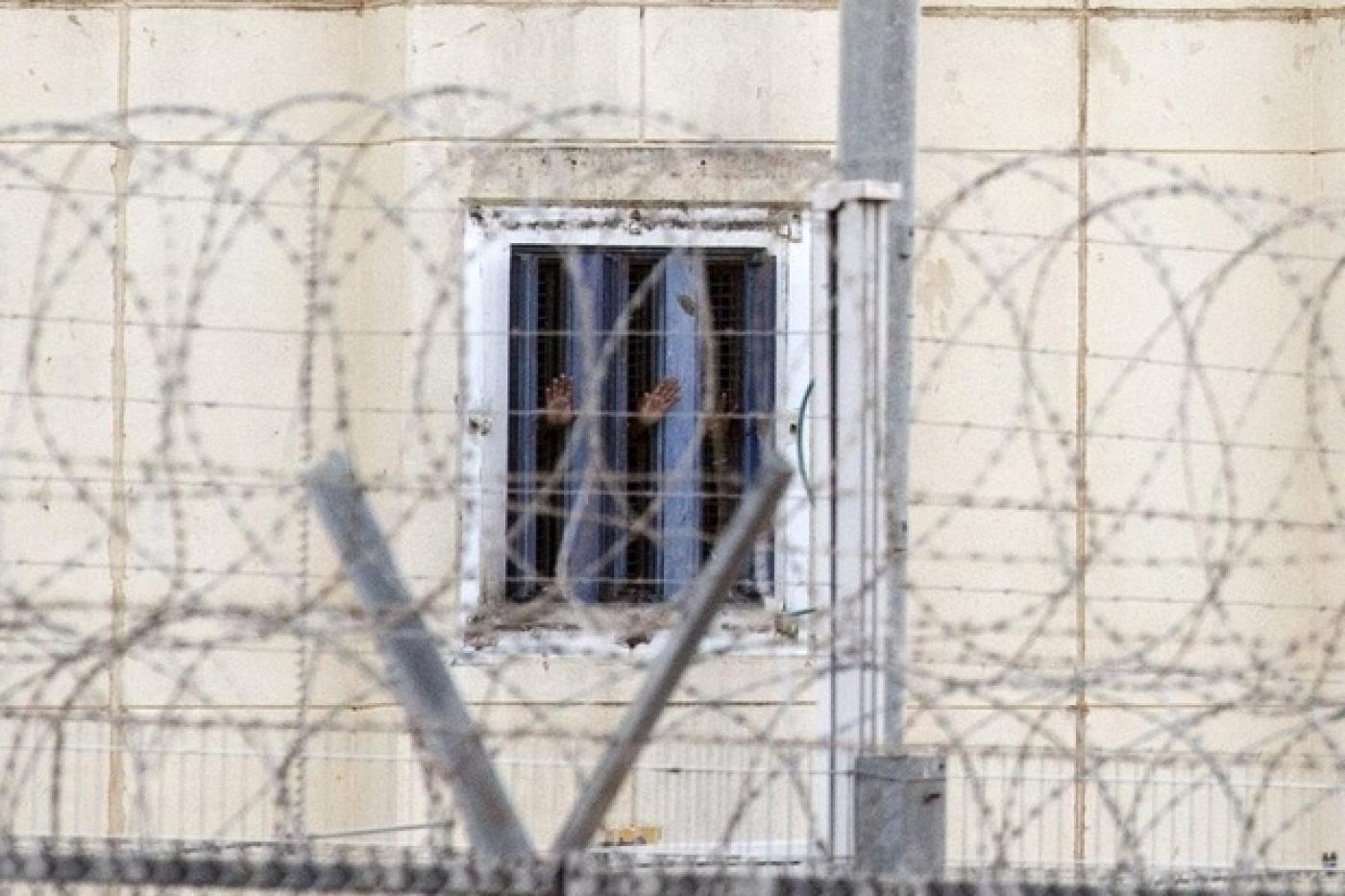 دعوة لتحرك دولى عاجل للافراج عن الأسري الفلسطينيين