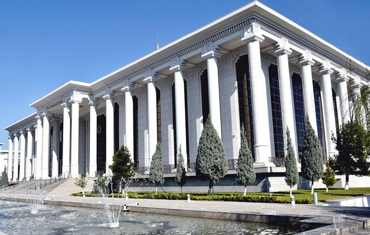الأمين العام يهنئ رئيس البرلمان التركماني